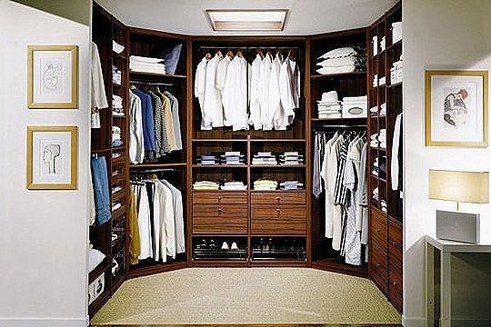 si tienes espacio puedes convertir tu armario en un vestidor como ves en la foto nmero aunque los metros no abundan en las casas si tienes una