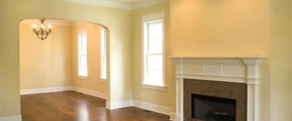 Decorar con molduras paredes y techos