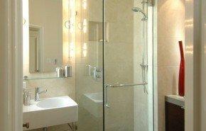 Minimalismo llevado a la máxima expresión en los cuartos de baño