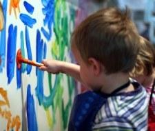 Consejos de seguridad al pintar habitaciones de niños
