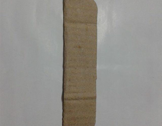 fabrica-un-marco-con-corazones-para-regalar-en-san-valentin-corta-trozo-carton