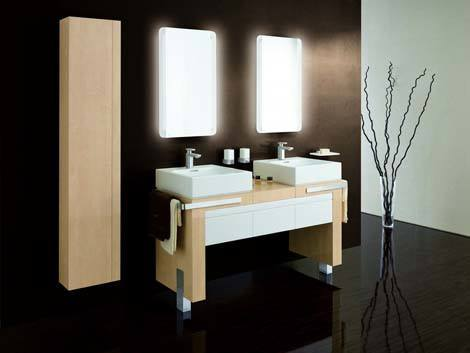Modern-bathroom-interior-with-vanity-and-mirrors