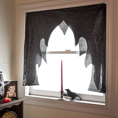 decoracion-halloween-tela-negra-ventana