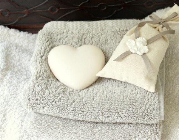 jabones-para-decorar-san-valentin-corazon-en-el-baño