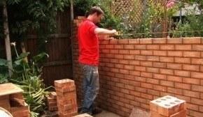 Construir muro en el jardín