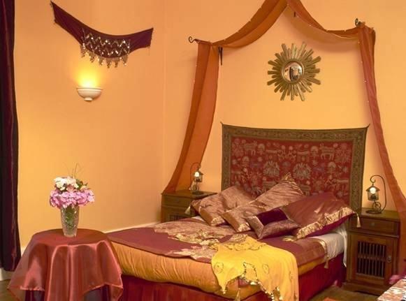 Dormitorios etnicos for Decoracion estilo hindu