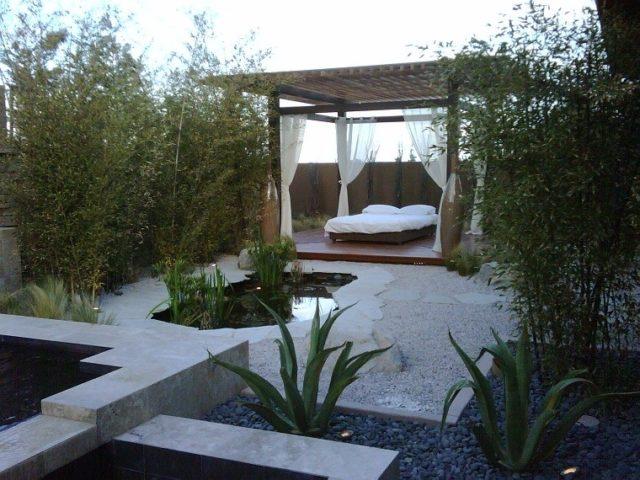 jardin-zen-moderno-con-cama