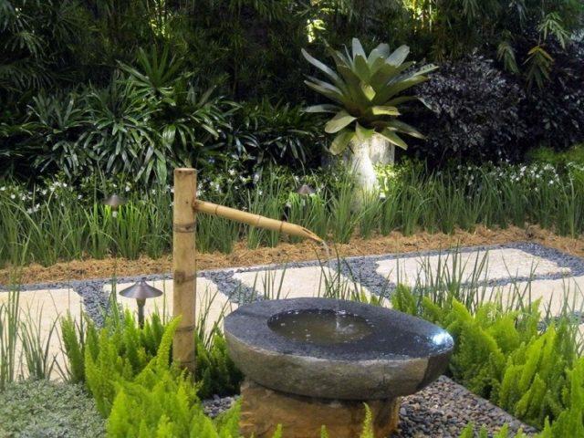 jardines-zen-con-fuentes-con-roca-y-bambu