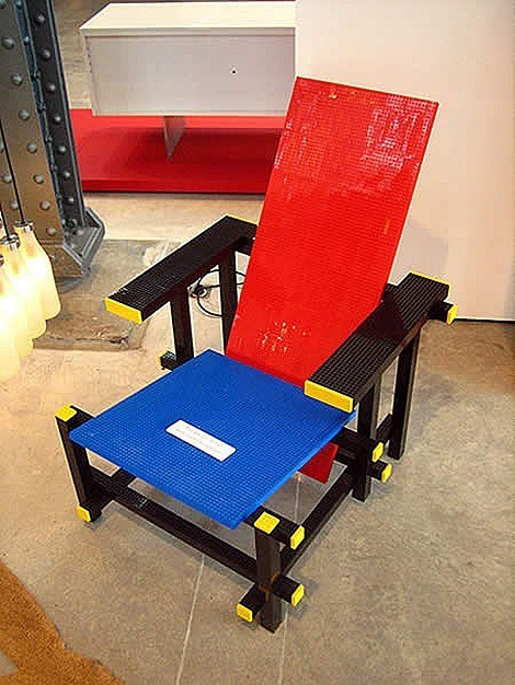 droog_red_blue_lego_chair