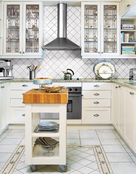 Kitchen-white-pattern-HTOURS0105-de