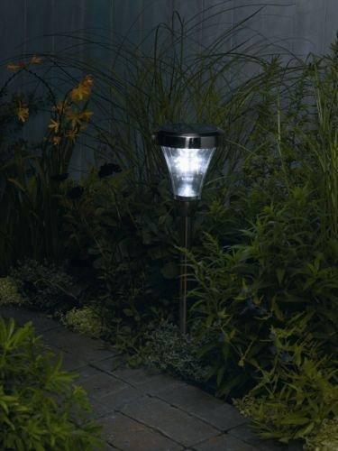 Iluminacion exterior luz solar for Focos solares jardin