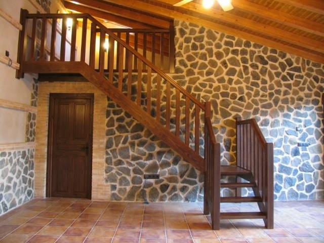 Escaleras rusticas for Escalera de jardin de madera