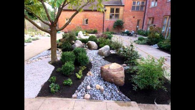 De 50 fotos de jardines r sticos para decorar el patio - Jardines rusticos con piedras ...