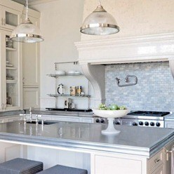 Classical-and-neutral-luxury-kitchen-500x500