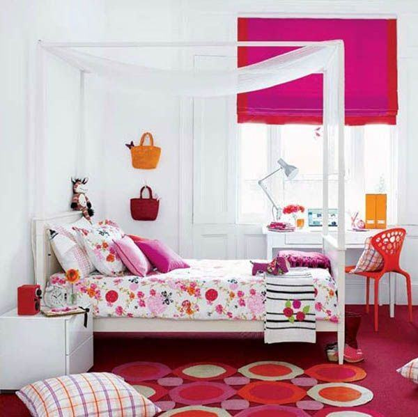 Un dormitorio de chica adolescente , con estilo alegre y colorista. El
