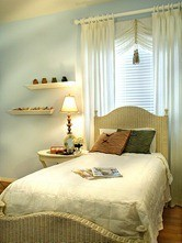 DP_Ammie-Kim-blue-girls-bedroom_s3x4_lg_thumb[2]