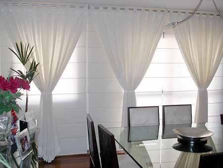 Cortinas blancas for Cortinas blancas salon