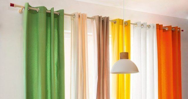 20 ideas de decoraci n de cortinas para salones 2018 for Colores de cortinas para salon