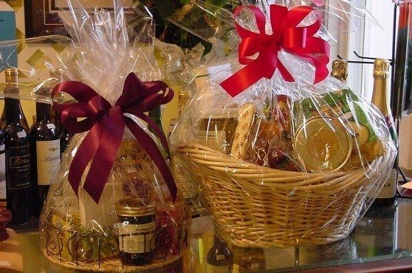 ideas-para-personalizar-los-regalos-de-navidad-2013-cestas-de-mimbre