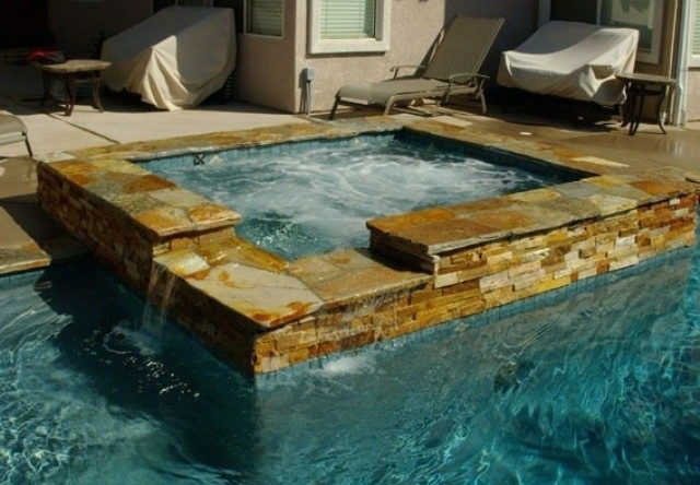 Jacuzzi exterior 50 fotos con ideas for Construir jacuzzi exterior