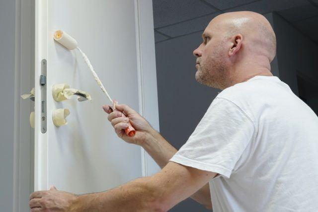 Como pintar puertas y ventanas de madera cinta adhesiva