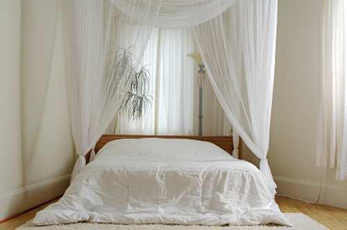 white-elegant-bedroom