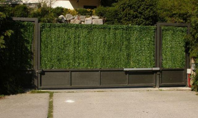 Setos artificiales y mallas para jardin for Vallas decorativas para jardin