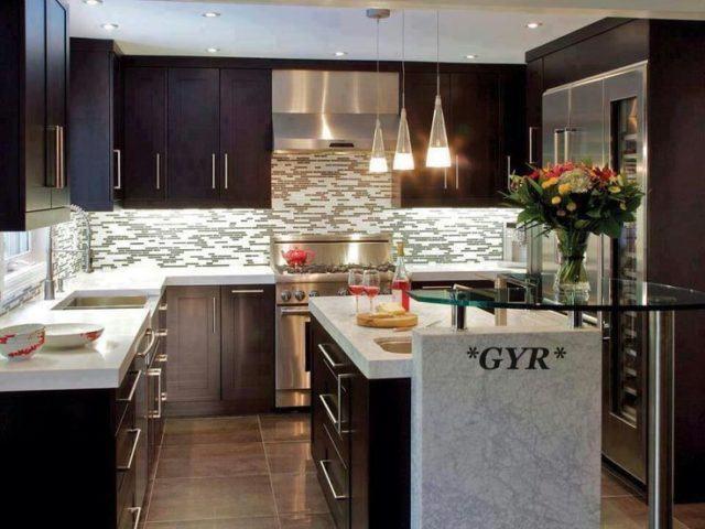 cocinas-minimalistas-modernas-color-chocolate-con-azulejos
