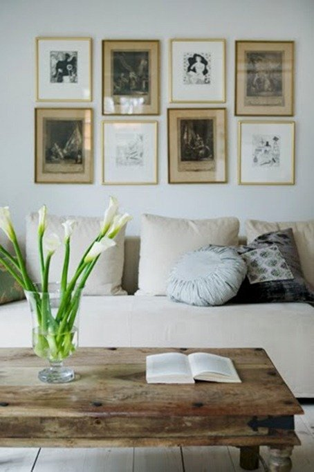 Como colgar cuadros for Decoracion encima sofa