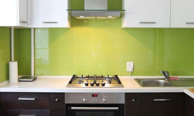M s de 30 fotos con ideas de cocinas verdes for Cocinas integrales de alta gama