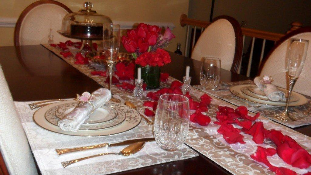 Como dar ambiente de cena rom ntica a una mesa - Decoracion cena romantica ...
