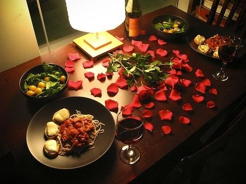 Cómo Preparar Una Cena Romántica Decoración Ideas Diy Y Consejos Espaciohogar Com