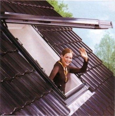 Ventanas de techo tragaluces for Ventana en el techo
