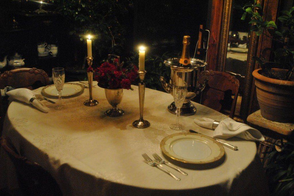 Como dar ambiente de cena rom ntica a una mesa - Cena romantica in casa ...