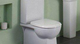 Cómo arreglar una cisterna de baño que está rota porque gotea o no carga