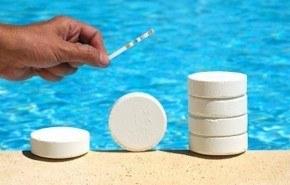 Productos necesarios para hacer el mantenimiento de una piscina