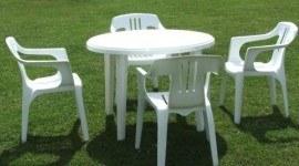 Cómo limpiar muebles de jardín de plástico
