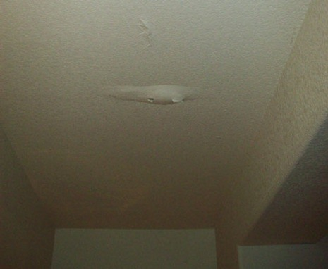 water-leak-ceiling