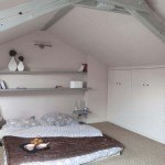attic-bedroom-designs-12-500x375