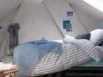 attic-bedroom-designs-13-500x500