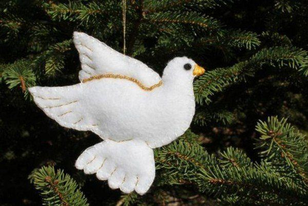 Decorating-trees-of-christmas-2013-ornaments-of-doves