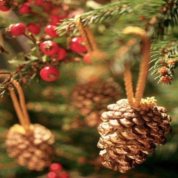 Decoraci n de rboles de navidad modernos adornos rboles - Adornos de navidad hechos con pinas ...