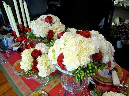Flowers-and-table-for-christmas-centro-de-flores-blancas