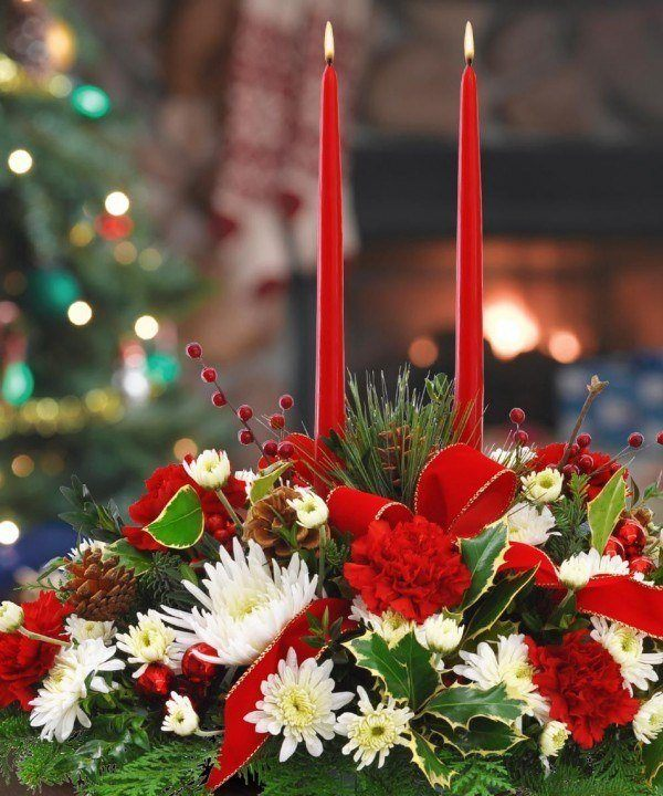 Flowers-and-table-for-christmas-ramo-de-flores-rojas