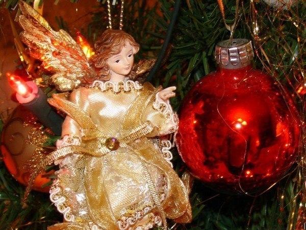 hacer-bolas-con-angeles-para-el-arbol-de-navidad-2013-angel-y-bola