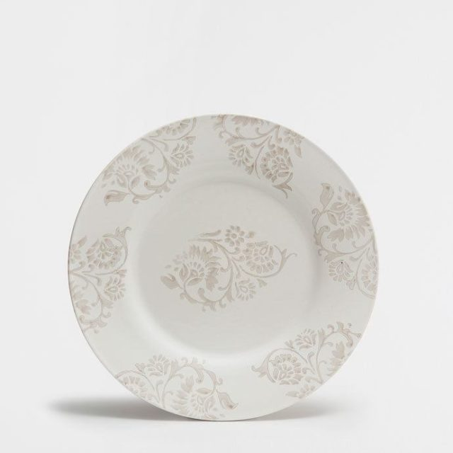 como-dar-ambiente-de-cena-romantica-a-una-mesa-vajilla-zara-home