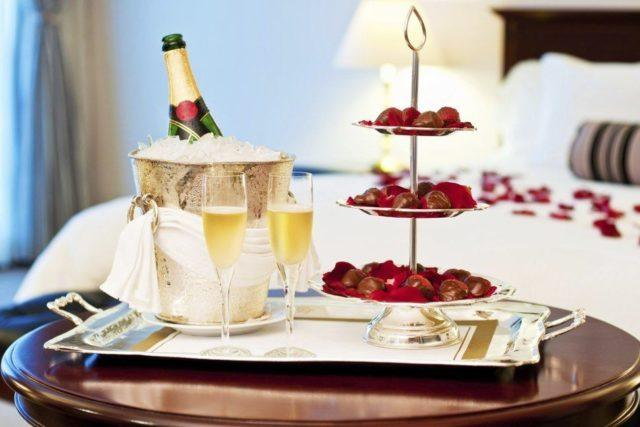 C mo preparar una cena rom ntica decoraci n ideas diy y - Como preparar una noche romantica ...