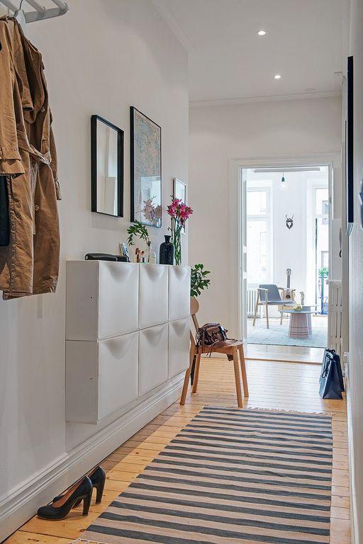 Fotos con ideas para pintar y decorar pasillos estrechos for Espejo largo pared