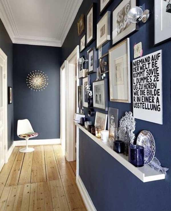 el color de las paredes o el papel pintado que podamos utilizar para dar vida al pasillo es otro punto importante a tener en cuenta