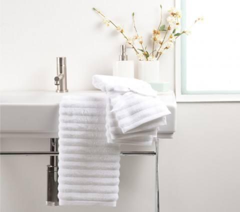 Convierte tu casa en un hotel con la nueva colecci n de for Zara home toallas bano